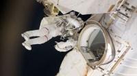 astronauta 200x112 La NASA jondea tremenda bacteria al espacio