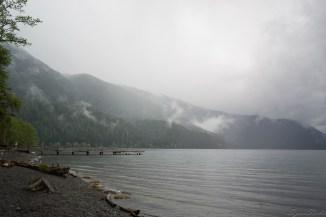 湖上的甲板