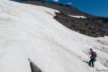 每一节攀爬都是非常陡的,比起之前的 Skyline trail 那点坡度,这真是艰难多了,脚底又滑,行进速度一下就慢了下来