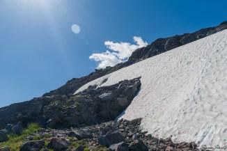 从冰川回来的我们已经提不起再去触碰它的兴趣