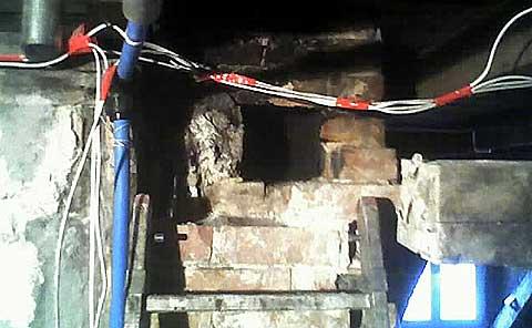 dziura w kominie