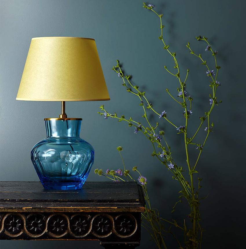 لامپ با نام لامپ بسیار ساده است، بنابراین مناسب برای ساختن تازه کار