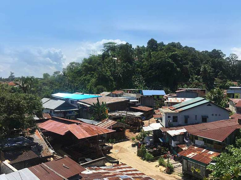 Travel Guide view of houses in Sorong