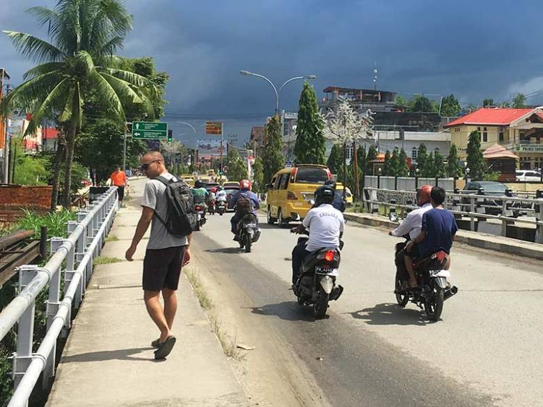 Travelling and walking around in Sorong roads
