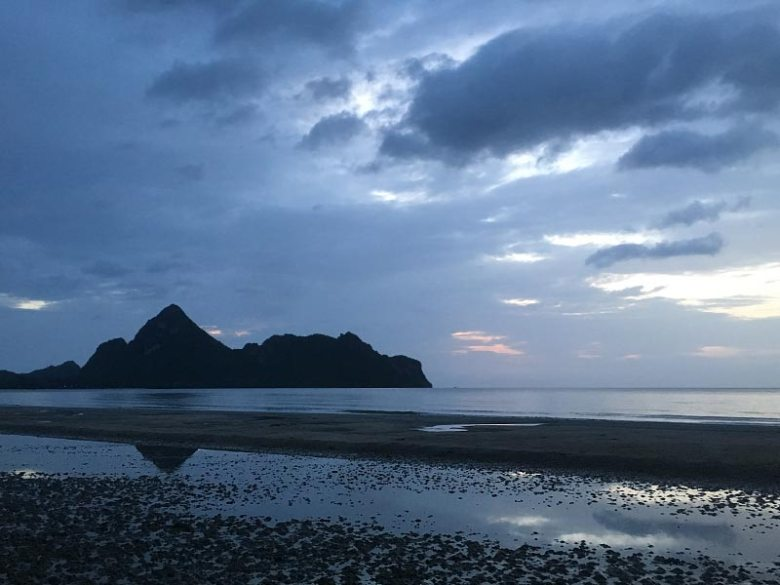 Ao Manao Bay Pratchuap Khiri Khan sunrise