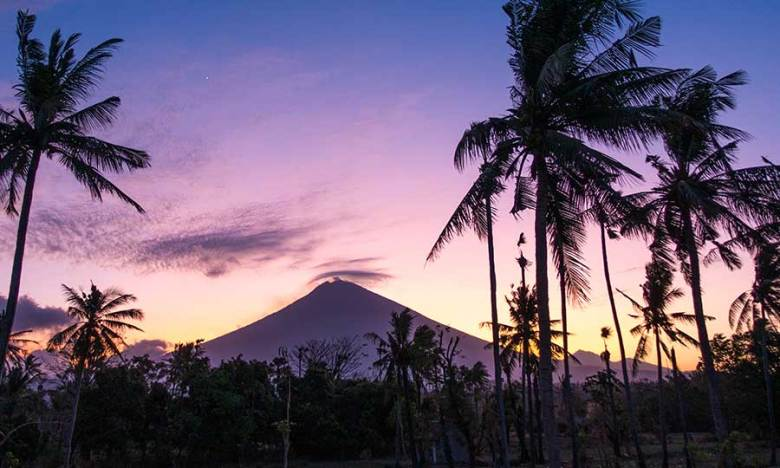 mount agung sunset view from bayu beach, Amed