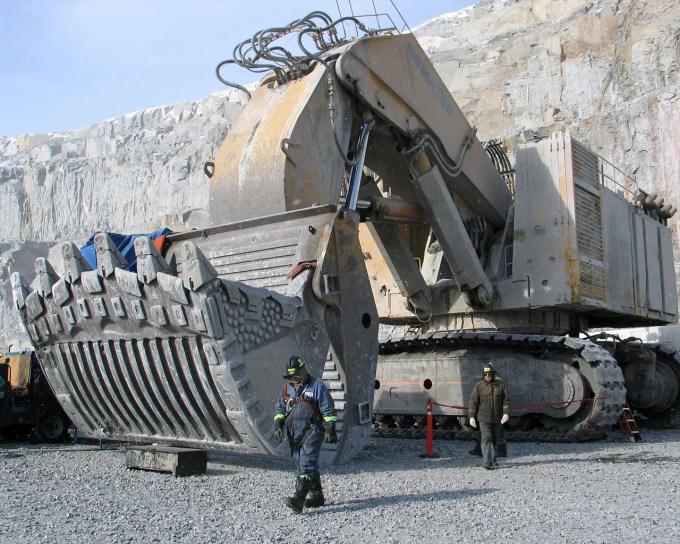 remote camp mining jobs  arctic  u0026 northern canada   u2013 fly in  u0026 fly out at ekati diamond mine