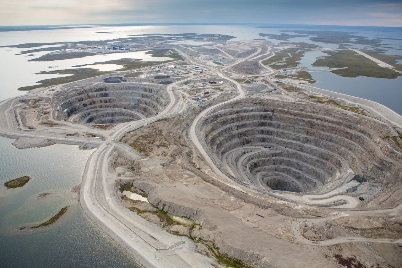 Ekati Diamond Mine and Other Mining Jobs In NT Including Camp and