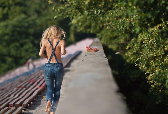 photodune-2284013-jogging-girl-xs