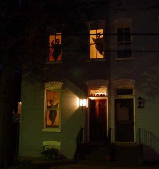 34 Scary Outdoor Halloween Decorations And Silhouette
