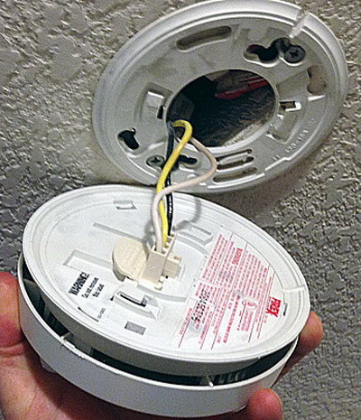 Smoke Detector Beeping Chirping 30 Seconds How To Reset