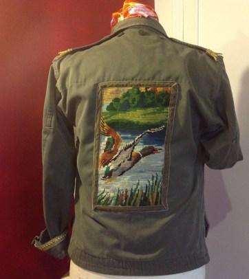 Veste militaire de dos motif cannard (canevas vintage)