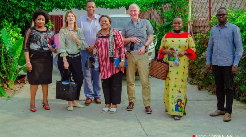 Visite de travail de l'équipe CORDAID/Pays-Bas au RENADEF