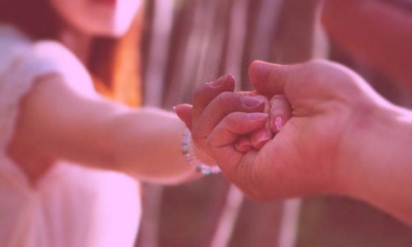初デートでさりげなく手をつなぐ6つの乙女の作戦