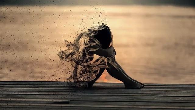 女性 片思い 悲しい 悲しみ 絶望