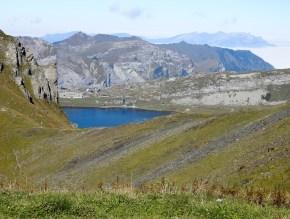 Gipfelausblick zur Melchsee-Frutt mit -Lodge