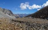 Links das Cuvercalhorn, in der Ferne u.a. die Albula-Alpen