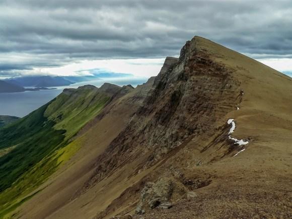 Monte Tarn, en honor al cirujano británico John Tarn que subió por primera vez en febrero 1827, mientras que en 1834 Charles Darwin lo ascendió.