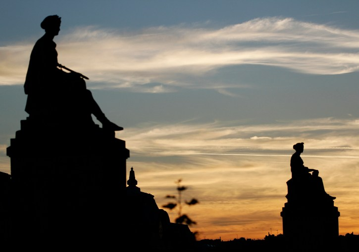 Silhouettes, Statues, Sculpture