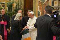 Anne Kelleher, RENATE chargé de la communication à RENATE avec le Pape.