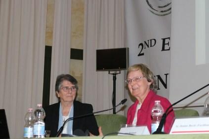 Sr. Imelda, présidente de Renate et Sr. Patricia Mulhall