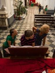 Lipari, Cattedrale di San Bartolomeo, organista estemporaneo. 31 agosto 2014 - Canon PawerShot G1 X, 15mm, 1/125 ƒ/2.8 ISO 3200
