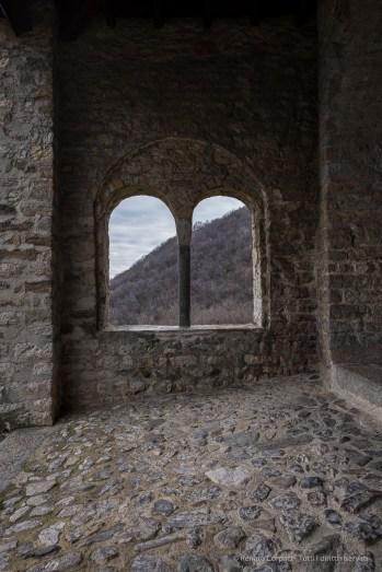 Abbazia romanica di San Pietro al Monte. Nikon D810, 24mm (14-24mm ƒ/2.8) 1/13sec ƒ/8 ISO 64