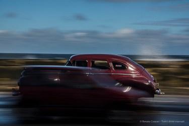 """Vintage car on the Malecón. Nikon D810, 86 mm (24-120.0 ƒ/4) 1/50"""" ƒ/18 ISO 64."""