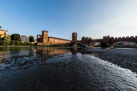 """The Castelvecchio castle and bridge in the sunset. Nikon D810 16 mm (16.0 mm ƒ/2.8) 1/1000"""" ƒ/6.3 ISO 400"""