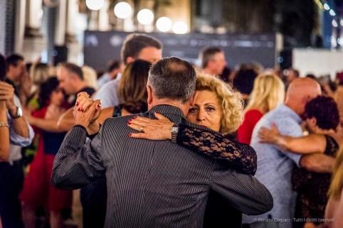 An evening of Tango in the Milano, Galleria Vittorio Emanuele II, June 2018. Nikon D810, 120 mm (24-120 mm ƒ/4) 1/125 mm ƒ/4 ISO 10000