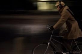 Ciclista a Copenaghen, 2015 - Nikon D810, 85mm (16-85mm ƒ/3.5-5.6) 1/20sec ƒ/3.6 ISO 3200