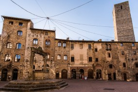 """San Gimignano, January 2017. Nikon D810, 20 mm ( 20.0 mm ƒ/1.8) 1/15"""" ƒ/16 ISO 64"""