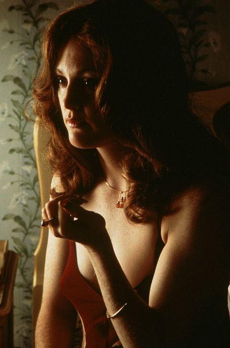 "3 - Julianne Moore (""Boogie Nights - Prazer Sem Limites"""