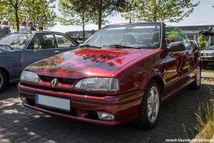 Renault R19 RSI Cabrio bei der Youngtimer Show in Herten