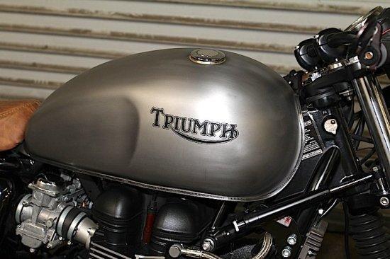 LOSSA 2010 Triumph Bonneville   CustomBike