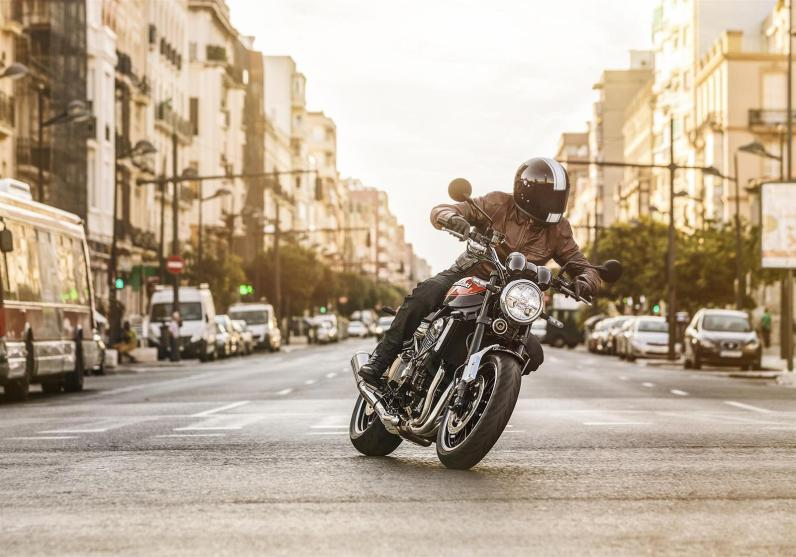 Kawasaki-Z900RS-City-Rider
