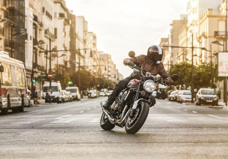 Kawasaki-Z900RS-City-Rider