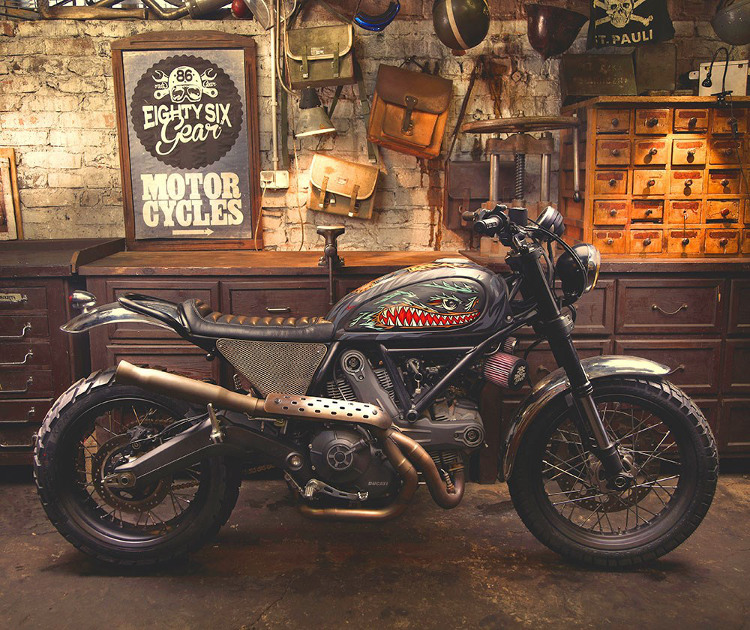 Ducati Scrambler Custom Iron lungs