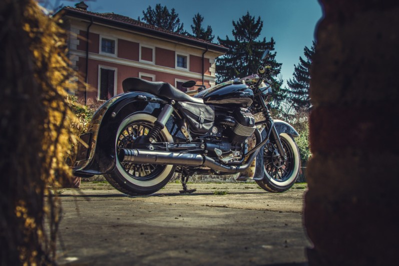 Moto Guzzi V9 Bobber Custom, 'Vecchio Conio' by Rustom [right side low]