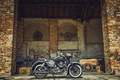 Moto Guzzi V9 Bobber Custom, 'Vecchio Conio' by Rustom [right-side]