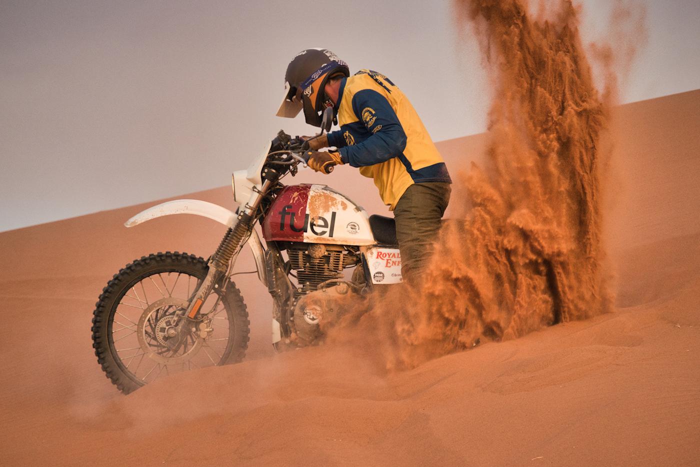 ROYAL ENFIELD HIMALAYAN 'RALLY 400' SCRAM AFRICA - Sand Burnout