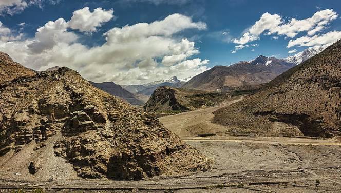 Mustang Mountains by Balaji Srinivasan