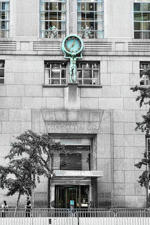 Tiffany's shop clock