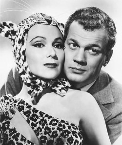 dolores_del_rio-joseph_cotten-journey_into_fear
