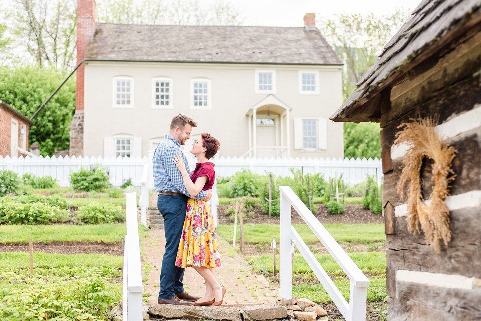 farmhouse engagement session with Renee Nicolo Photography