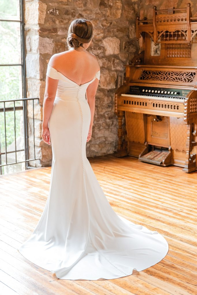 bridal portrait at HollyHedge Estate by Renee Nicolo Photography