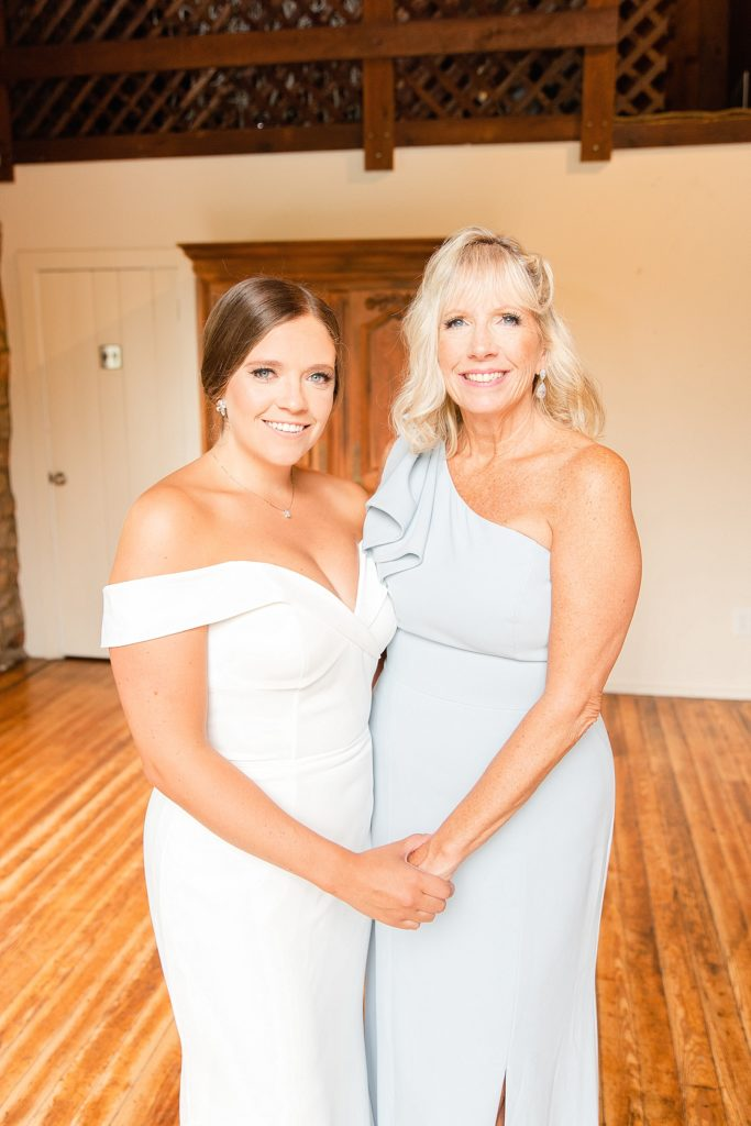 Renee Nicolo Photography photographs bride and mother