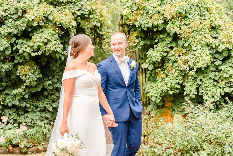 wedding portraits of bride and groom with  Renee Nicolo Photography
