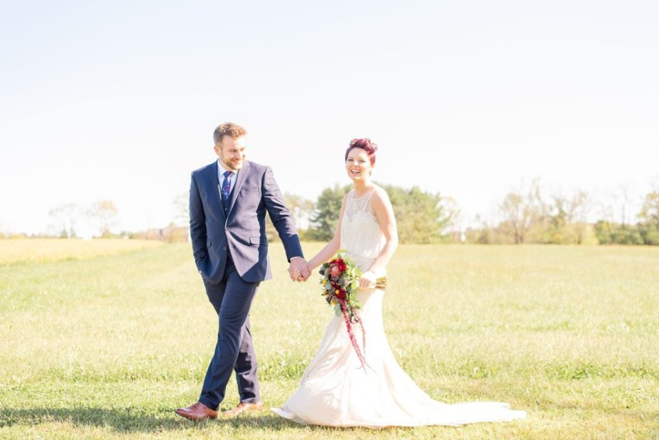 wedding photos in fields of Historic Stonebrook Farm with Renee Nicolo Photography