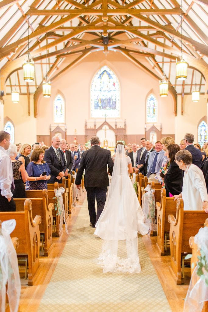 Philly church wedding photographed by Renee Nicolo Photography